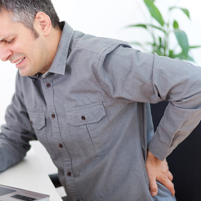 physiosinamedic_backpain_man_web2